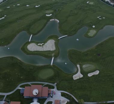 Lac de golf hidroizolata cu membrana EPDM Firestone Pondgard